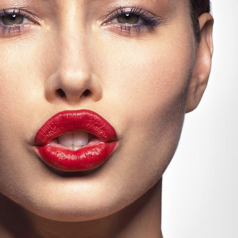 Увеличение губ в Одессе: естественность и красота